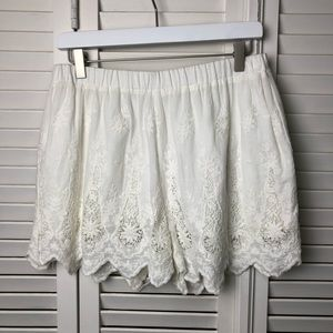 Kimchi Blue Urban Outfitters White Lace Shorts